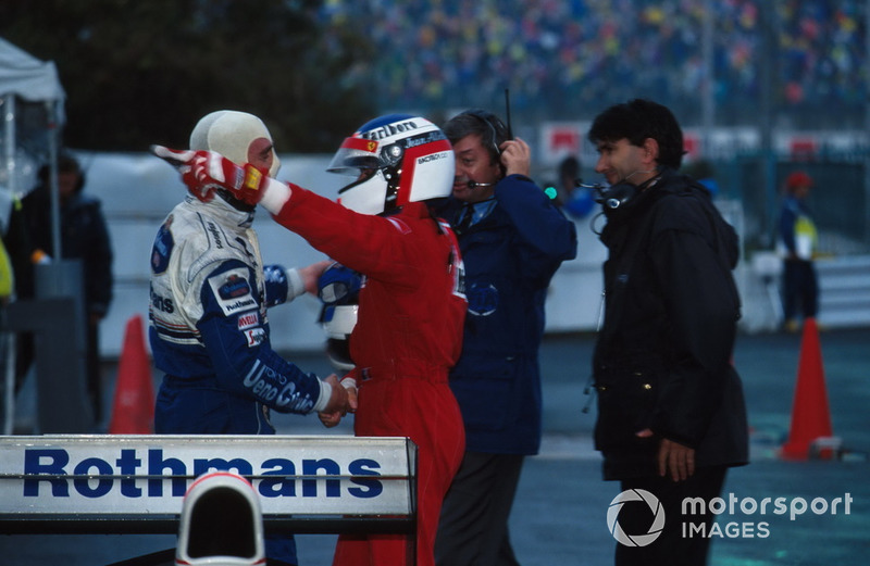 Nigel Mansell, Williams felicita a Jean Alesi, Ferrari