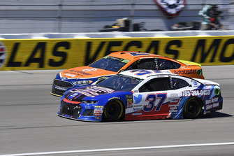 Chris Buescher, JTG Daugherty Racing, Chevrolet Camaro Natural Light Race Day Resume e Brad Keselowski, Team Penske, Ford Fusion Autotrader