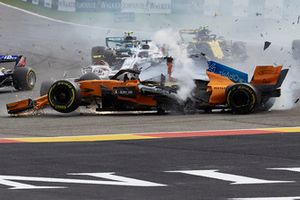 Fernando Alonso, McLaren MCL33 collide at the start of the race