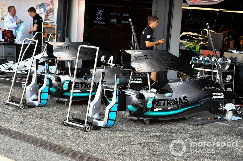 Le capot moteur de la Mercedes AMG F1 W10