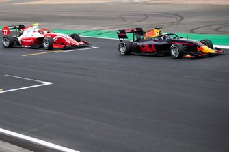 Jehan Daruvala, PREMA Racing en Juri Vips, Hitech Grand Prix