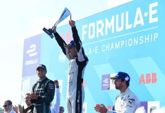 Sébastien Buemi, Nissan e.Dams celebrates victory on the podium with Mitch Evans, Panasonic Jaguar Racing, 2nd position, Antonio Felix da Costa, BMW I Andretti Motorsports, 3rd position