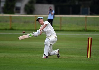 Partido de Cricket William Gordon Lennox hits six