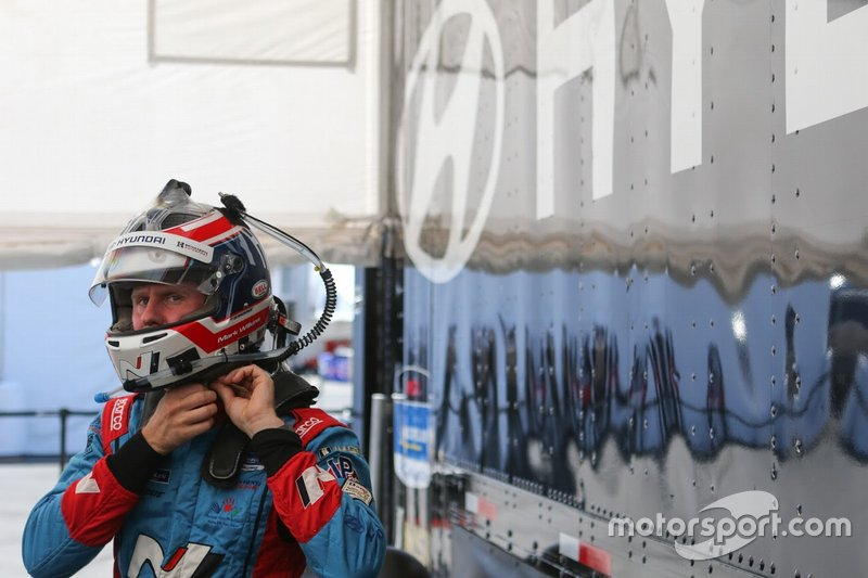 #98 Bryan Herta Autosport W Curb-Agajanian Hyundai Veloster N TCR, TCR: Mark Wilkins
