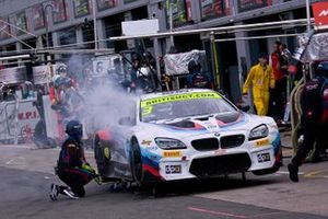 #3 Century Motorsport BMW M6 GT3: Dominic Paul, Ben Green Suffers a Faliure