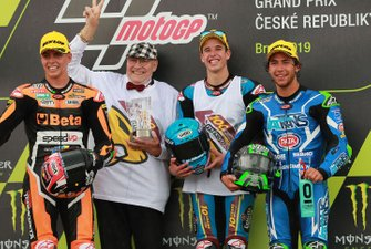 Podium: race winnaar Alex Marquez, Marc VDS Racing, tweede Fabio Di Giannantonio, Speed Up Racing, derde Enea Bastianini, Italtrans Racing Team