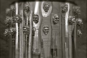 Konterfei von Simon Pagenaud auf der Borg-Warner-Trophy