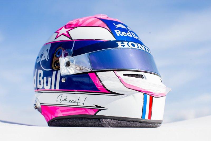 El casco de Pierre Gasly, Toro Rosso, en homenaje a su amigo Anthoine Hubert en el GP de Italia
