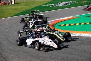 Raoul Hyman, Sauber Junior Team by Charouz and Felipe Drugovich, Carlin Buzz Racing