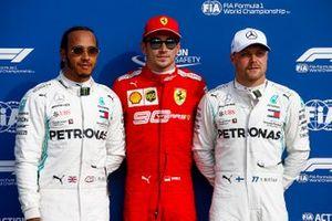 Ganador de la pole Charles Leclerc, Ferrari SF90, segundo Lewis Hamilton, Mercedes AMG F1, tercero Valtteri Bottas, Mercedes AMG F1