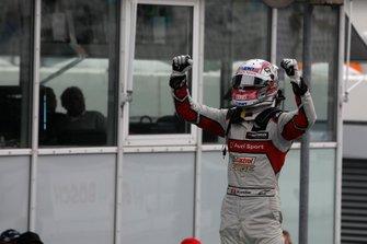 Race winnaar Nico Müller, Audi Sport Team Abt Sportsline