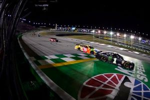 1. Kurt Busch, Chip Ganassi Racing, Chevrolet Camaro Monster Energy, 2. Kyle Busch, Joe Gibbs Racing, Toyota Camry M&M's