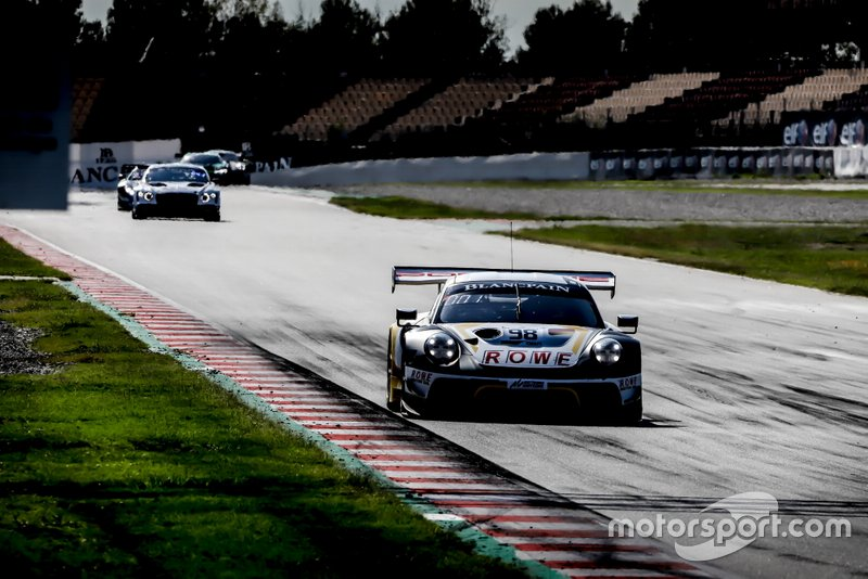 #98 ROWE Racing Porsche 911 GT3 R: Mathieu Jaminet, Romain Dumas, Sven Müller