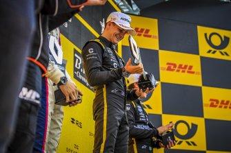 Podio di gara 1: il vincitore Victor Martins, MP motorsport