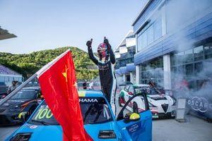 Race winner Yvan Muller, Cyan Racing Lynk & Co 03 TCR