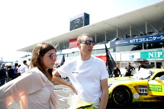 #999 Mercedes-AMG Team GruppeM Racing Mercedes-AMG GT3: Raffaele Marciello with his girlfriend