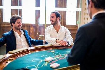 Jean-Eric Vergne, DS TECHEETAH, Antonio Felix da Costa, BMW I Andretti Motorsports gamble in Le Casino