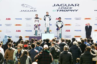 Podyum: Yarış galibi Bryan Sellers, Rahal Letterman Lanigan Racing, 2. Stefan Rzadzinski, TWR TECHEETAH, 3. Sérgio Jimenez, Jaguar Brazil Racing