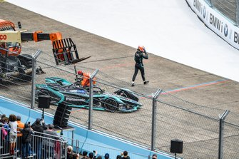 Alex Lynn, Panasonic Jaguar Racing, walks away from his Jaguar I-Type 3 as it is recovered by marshals