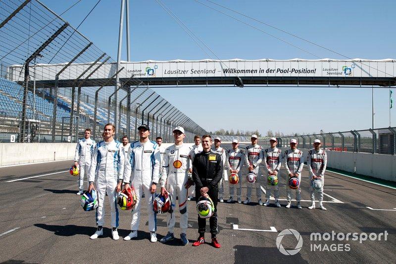 Gruppenfoto: Alle Rookies der DTM-Saison 2019