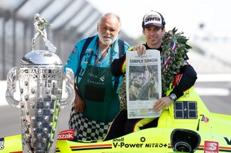 Simon Pagenaud, Team Penske Chevrolet and Chuck the wolfman