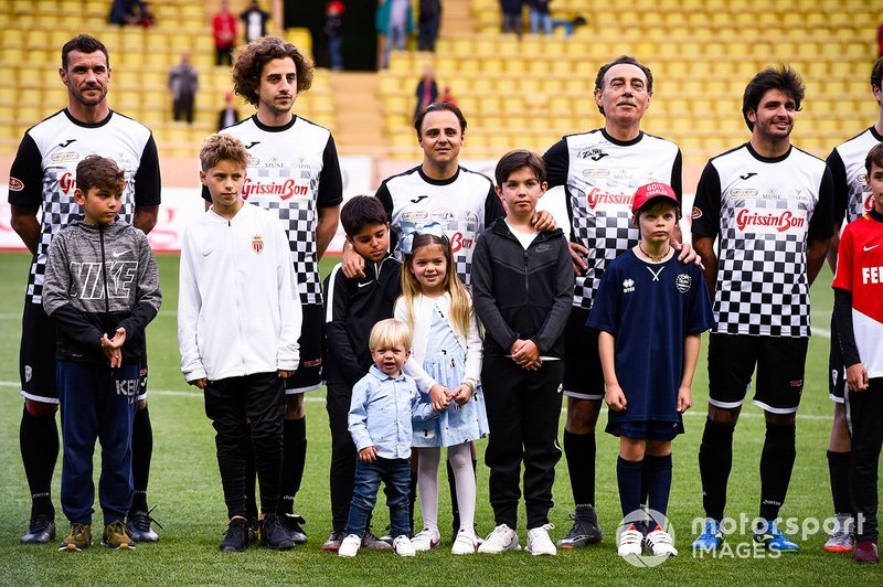 Felipe Massa and Carlos Sainz Jr. play football