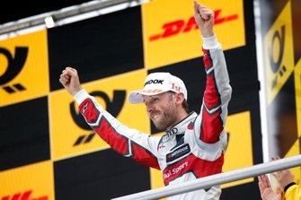 Podium: Race winnaar René Rast, Audi Sport Team Rosberg