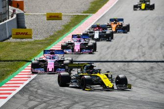 Daniel Ricciardo, Renault R.S.19, leads Sergio Perez, Racing Point RP19, Lance Stroll, Racing Point RP19, and Antonio Giovinazzi, Alfa Romeo Racing C38