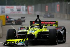 Choque entre Sebastien Bourdais, Dale Coyne Racing with Vasser-Sullivan Honda y Spencer Pigot, Ed Carpenter Racing Chevrolet