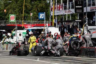 Will Power, Team Penske Chevrolet, pit stop