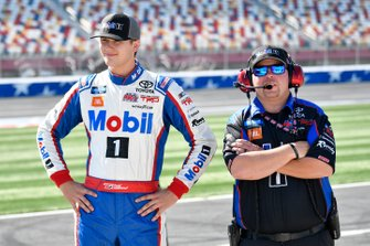 Todd Gilliland, Kyle Busch Motorsports, Toyota Tundra Mobil 1, Marcus Richmond II
