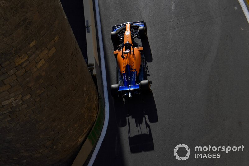 9: Carlos Sainz Jr., McLaren MCL34, 1'42.398