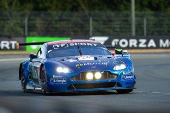 #90 TF Sport Aston Martin Vantage: Salih Yoluc, Euan Hankey, Charles Eastwood