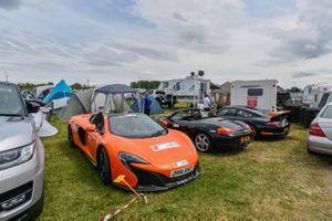 Porsche e l'atmosfera al Campeggio