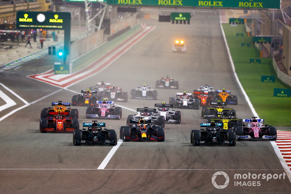 George Russell, Mercedes F1 W11, Valtteri Bottas, Mercedes F1 W11, Max Verstappen, Red Bull Racing RB16, Charles Leclerc, Ferrari SF1000, Sergio Perez, Racing Point RP20, and the rest of the field at the start
