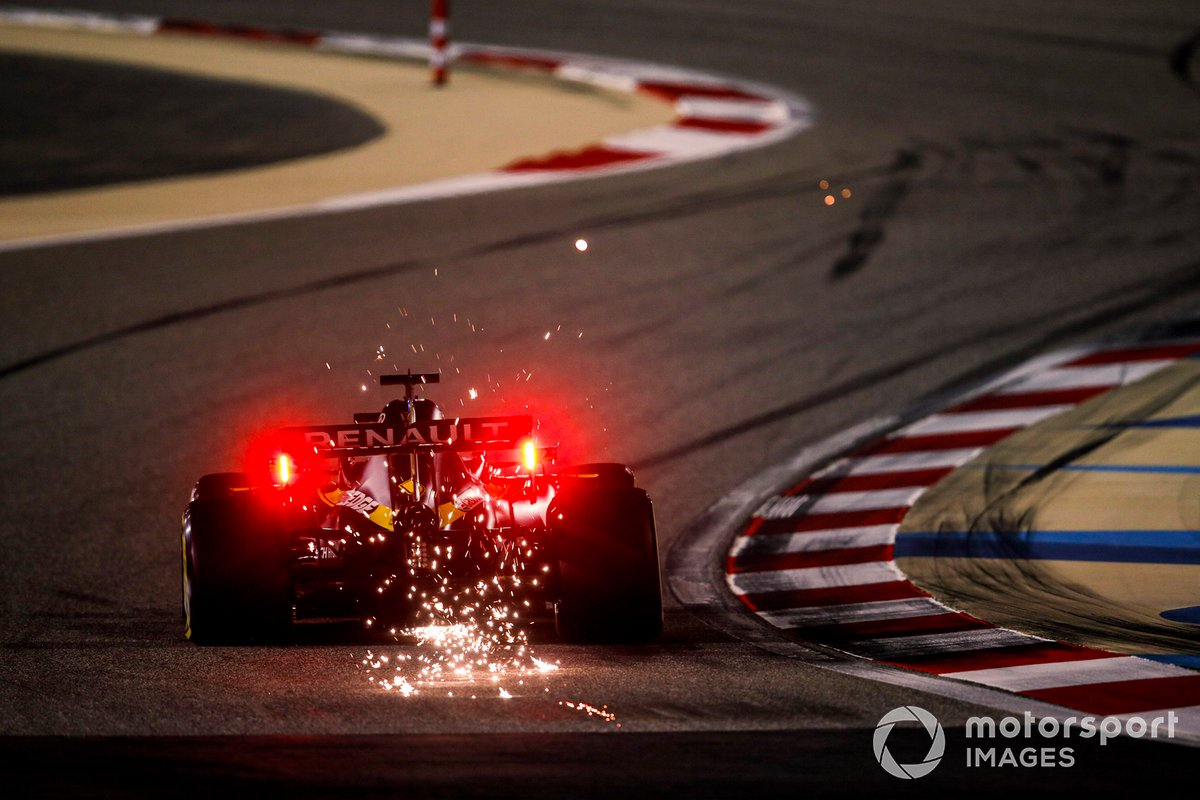 Daniel Ricciardo, Renault F1 Team R.S.20 sacando chispas