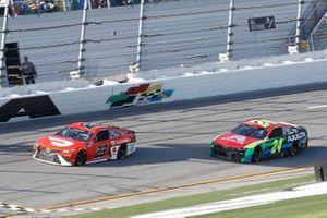 Bubba Wallace, 23XI Racing, Toyota Camry DoorDash, William Byron, Hendrick Motorsports, Chevrolet Camaro Axalta