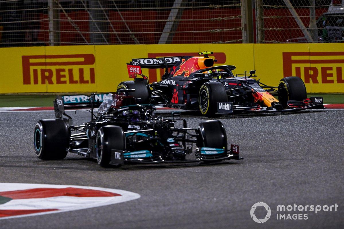 Lewis Hamilton, Mercedes W12, Sergio Perez, Red Bull Racing RB16B