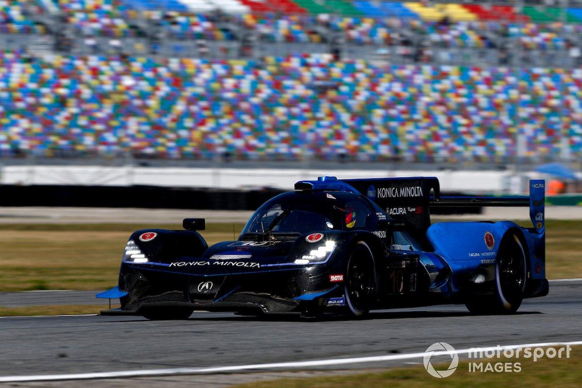#10 Wayne Taylor Racing Acura ARX-05 Acura DPi: Pit Stop, Helio Castroneves, Alexander Rossi, Filipe Albuquerque, Ricky Taylor