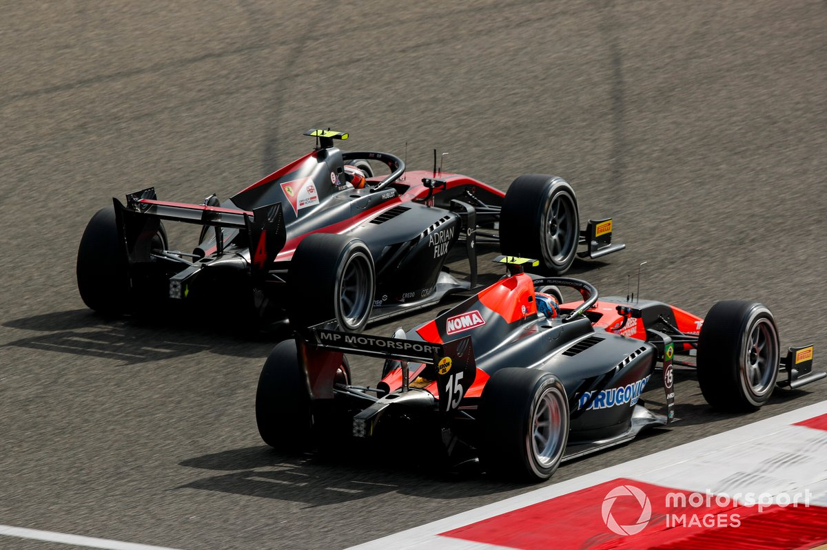 Callum Ilott, Haas VF-20 y Felipe Drugovich, MP Motorsport