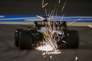 Sparks fly from the rear of Daniel Ricciardo, Renault F1 Team R.S.20