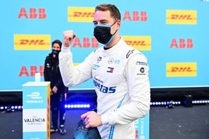 Stoffel Vandoorne, Mercedes-Benz EQ, celebrates getting pole position