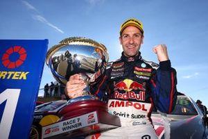 Race winner Jamie Whincup, Triple Eight Race Engineering