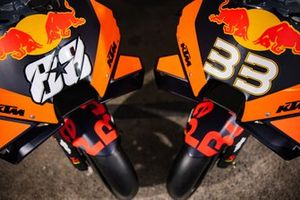 Motor van Miguel Oliveira, Red Bull KTM Factory Racing en Brad Binder, Red Bull KTM Factory Racing