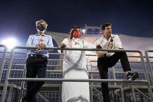 Prince Khalid Bin Sultan Al Faisal, president van de Saudi Arabian motorsport federation, met Toto Wolff, Executive Director - Business, Mercedes AMG