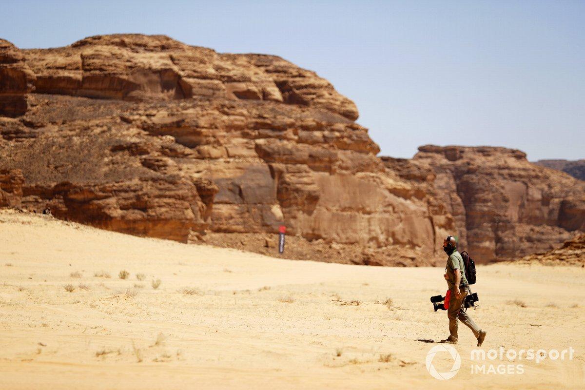 Un cámara en el desierto