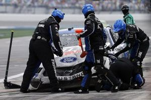Chris Buescher, Roush Fenway Racing, Ford Mustang Fastenal, post crash