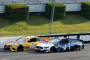 Kyle Busch, Joe Gibbs Racing, Toyota Camry M&M's Mini's and Kevin Harvick, Stewart-Haas Racing, Ford Mustang Busch Head for the Mountains