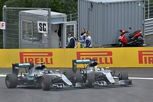 Nico Rosberg, Mercedes-Benz F1 W07 Hybrid and Lewis Hamilton, Mercedes-Benz F1 W07 Hybrid collide on the last lap
