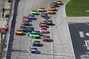 Chase Elliott, Hendrick Motorsports, Chevrolet Camaro, Martin Truex Jr., Joe Gibbs Racing, Toyota Camry, Kyle Busch, Joe Gibbs Racing, Toyota Camry, crash